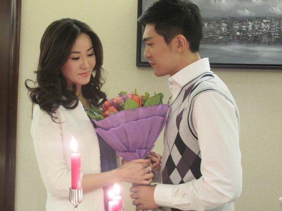 徐翠翠,傅天骄领衔主演,由于该剧是一部涉案题材的情感电视剧,因此又