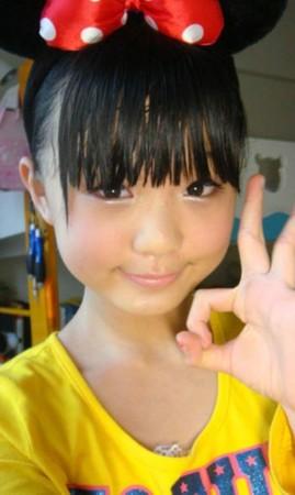 12岁女孩的专业级化妆 高清图片