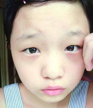 外国小女孩素颜照片