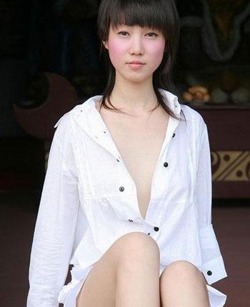 拿凤姐和第一裸模,曾经的人体艺术模特张筱雨比较,可谓是两种味道.