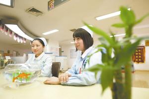 病人在病房干小护士
