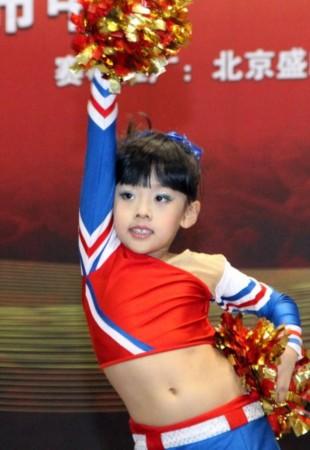 图文-全国万人健美操大赛总决赛落幕 小选手可爱