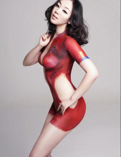 成人午夜美女人体艺术_人体艺术另类性感:彩绘背后的人体暴露[组图]
