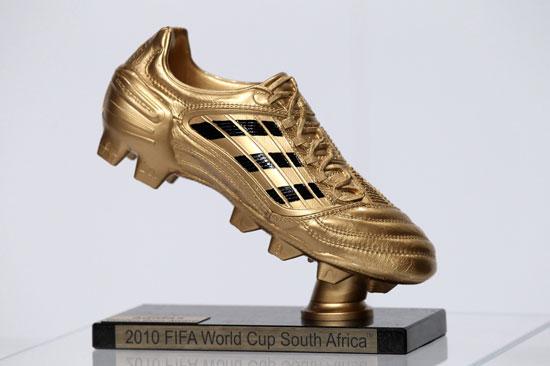 金球奖和金靴奖区别_图文-南非世界杯三大奖项颁奖 金靴奖奖杯_南海网新闻中心