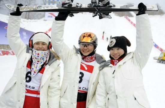 雪联自由式滑雪技巧赛 中国女将包揽前三