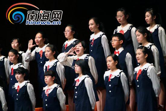 中国交响乐团少年及女子合唱团现场合唱《踏雪寻梅》,《爱之梦》等
