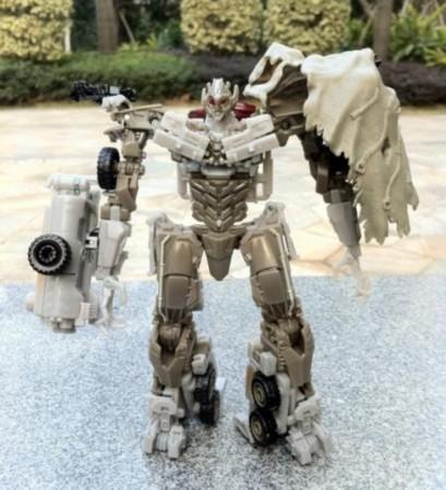 变3 玩具曝光新角色 威震天机器人玩具