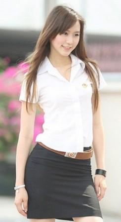 提起日本女高中生的校服