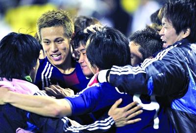 日本足球亚洲杯很给力 中国足球只剩羡慕嫉妒