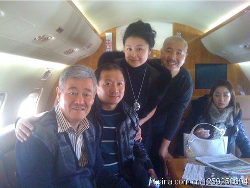 赵本山携弟子坐私人飞机去长沙