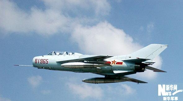 歼教-6:新中国自主研制的第一种超音速教练机   研制单位:沈阳飞机