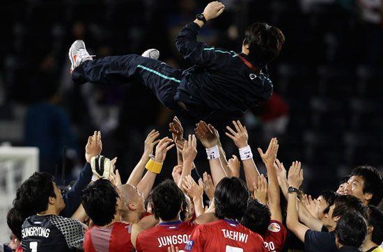 ...亚洲杯三、四名决赛将进行,韩国将对阵乌兹别克斯坦.图为韩... (17)