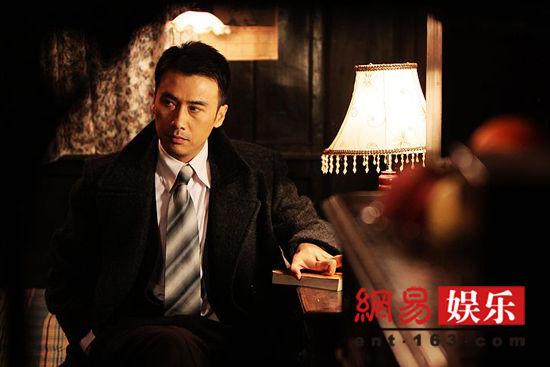 由柳云龙,张嘉译,刘孜,王丽坤主演的电视剧《告密者》于2月10日起登陆