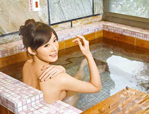 """女悟空""""的陈以庭近日前往台北乌来泡汤,却意外的被媒体拍到她的""""露点"""