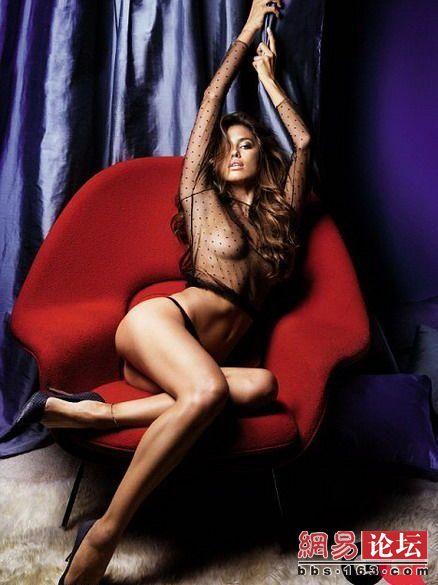 组图:不带胸罩真空上阵露点的体娱女星