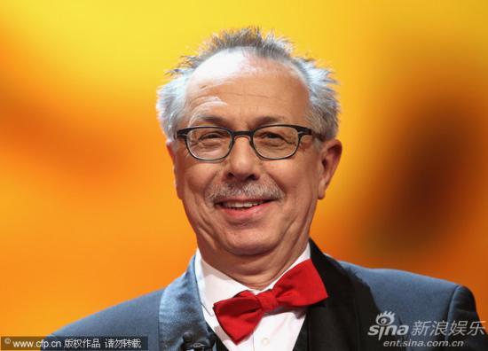 图文:柏林电影节颁奖-主席迪特和蔼可亲
