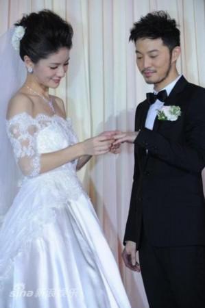 图文:胡可沙溢大婚-交换婚戒