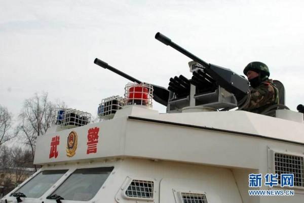 武警黑龙江总队二支队地面交通工具反劫持实兵演习图片