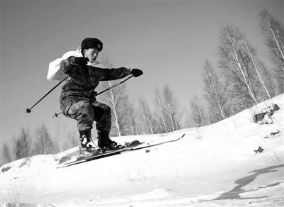 第一次与大兴安岭的林海雪原亲密接触,第一次穿上心仪已久的滑雪板