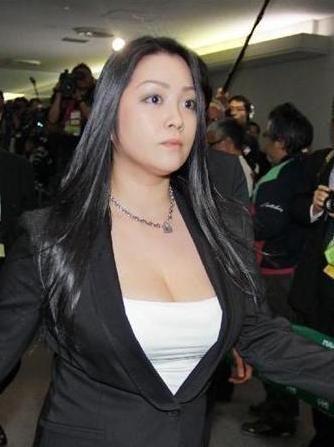 小向美奈子-高清无码_日本女星小向美奈子涉嫌二度吸毒 接受尿检