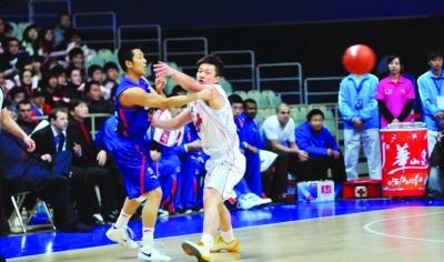 胡雪峰右膝韧带拉伤 全明星赛只能被迫退出
