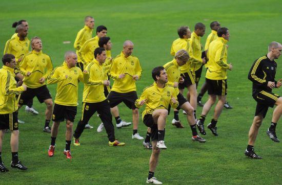 利物浦训练备战欧联杯 球队轻松备战联盟杯