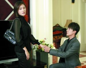 凌潇肃、迟帅、秋瓷炫、李彩桦等主演的情感伦理剧《回家的诱惑》