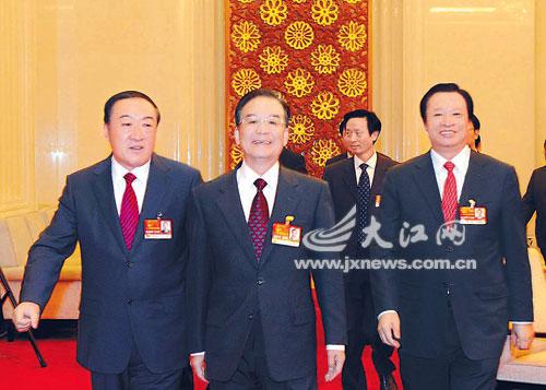 中共中央政治局常委,国务院总理温家宝在省委书记苏荣代表,省长吴新雄