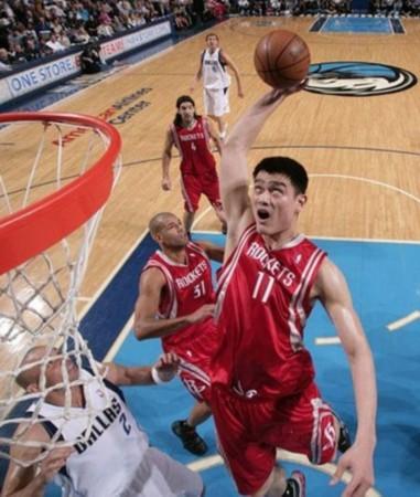体育资讯_南海网 新闻中心 体育新闻 篮球    nba赛场上时常会发生一些意想不到