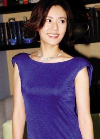 秋瓷炫老公结婚照片图片
