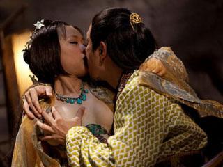 国产最新情色视频下载_情色电影齐袭台湾 3d逼真画面让观众如摸胸上床(图)