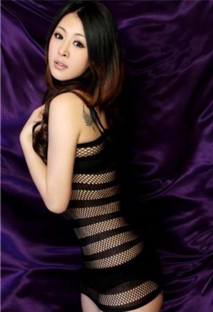 女篮美女写真惊艳世人 王研大展妩媚身段[组图