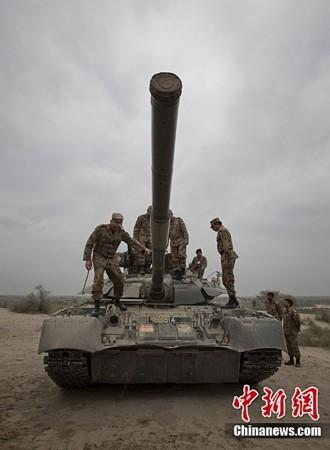 高清大图:巴基斯坦陆军举行军事演习_南海网新闻中心