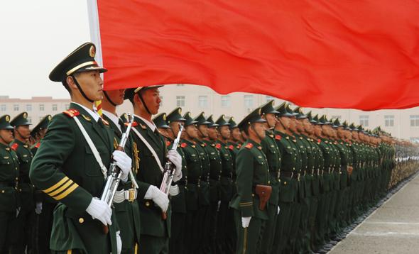武警天津总队隆重举行新兵训练成果汇报演示