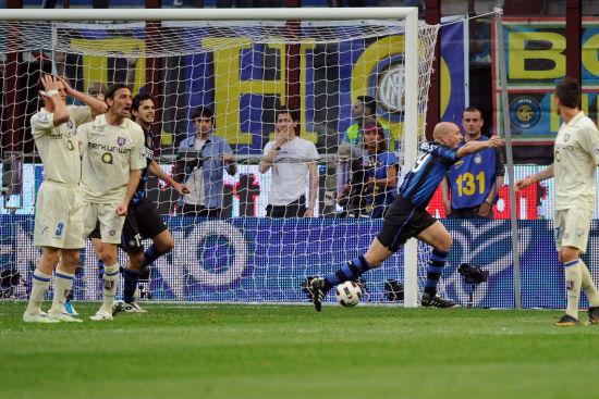 国际米兰2 0切沃 坎比亚索进球瞬间