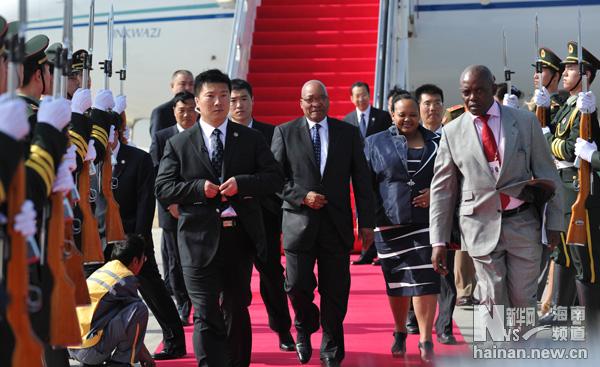 南非总统祖马抵三亚 出席金砖国家领导人会晤