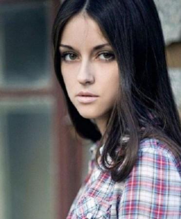 组图:俄罗斯美女模特清纯百变