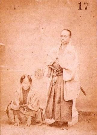 旧照揭日本武士切腹文化