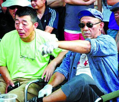 中考遇见高温 哈尔滨洒水降尘营造清凉考场
