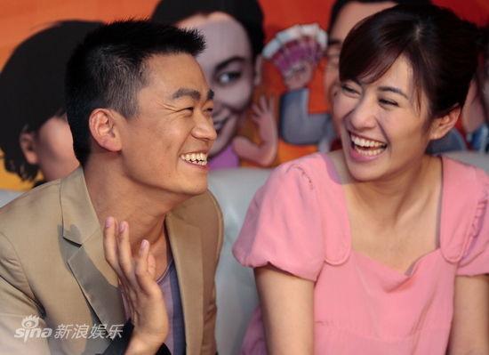 图文:《蔡李佛拳》首映-王宝强叶璇开心大笑