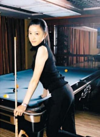 国内近两年新晋台球美女付小芳和刘莎莎在成名之前
