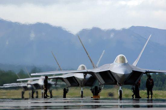 F 22因供氧系统问题只能在7600米以下飞行
