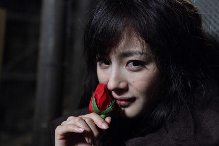 《孤岛惊魂》暑期亮相 杨幂期待新片上映