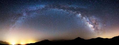 2011最佳夜空摄影:冰岛壮观绿色极光夺冠(1)