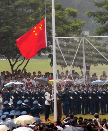 亲历香港回归军人讲述部队进驻艰苦历程_南海网新闻 ...