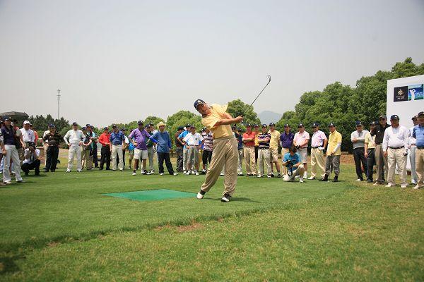 琼海:博鳌·金湾2011高尔夫精英赛 杭州开杆