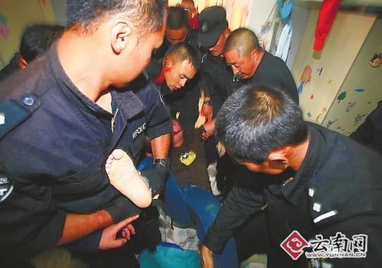 昆明警方透露控制嫌疑人解救人质细节拨警察冲