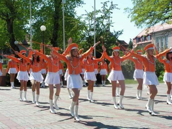 俄罗斯少女人体艺术摄影图片欣赏_神秘!走进俄罗斯少女军校