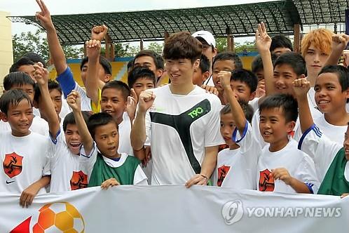 朴智星慈善赛_朴智星领衔亚洲足球慈善赛图重庆3G门户