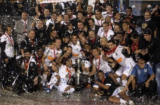 (体育)(2)足球——解放者杯:桑托斯夺冠